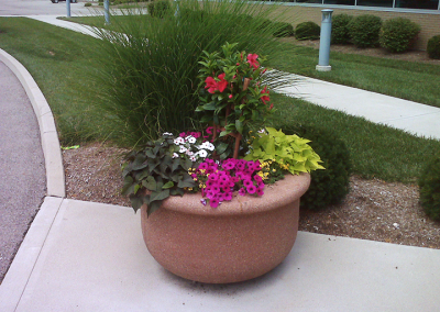 Beautiful Flowers & Landscaping by A Kut Above in Beavercreek, Ohio